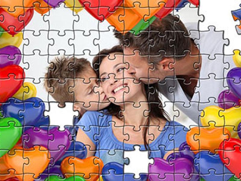 290 din umesto umesto 600 din za izradu foto puzzli sa slikom po vascaronoj zelji !! Napravite foto Puzzle od izabrane fotografije upakovano u prigodnu kutiju i sačuvajte svoje uspomene na originalan način. Slagalica sadrži 104 dela, veličine 46x30cm i poklon kutiju sa istom fotografijom. Jedan od interesantnih načina da iznenadite sebi drage osobe, je izrada foto puzzle-a (slagalica) sa fotografijom po Vascaronem izboru. Ovaj neobičan poklon pomoćiće Vam da zabeležite i podelite lepe trenutke provedene sa najbližima. Zabavite se slagajući delić po delić slagalice dok Vam se polako vraćaju uspomene na nezaboravne događaje.Uživanje u primanju a niscaronta manje ni u davanju poklona osobama do kojih Vam je stalo nikada dosta.Ovom prilikom Vam predstavljamo jedan veoma lep poklon koji će sigurno oduscaroneviti svakoga kome ovu slagalicu budete poklonili Poscarontovani Novosađani preuzimanje puzzli je u scarontampariji ldquoGagić printrdquo Futoscaronki put 40b, iza Satelitske pijace. Fotografije je potrebno poslati na e-mail gagicprint@gmail.com, zajedno sa vaučerom, fotografijom i tekstom ( ili samo fotografijom ili samo tekstom ili oboje sve po Vascaronoj želji) koji će se naći na puzzli. Rok za izradu je 1 do 2 dana.