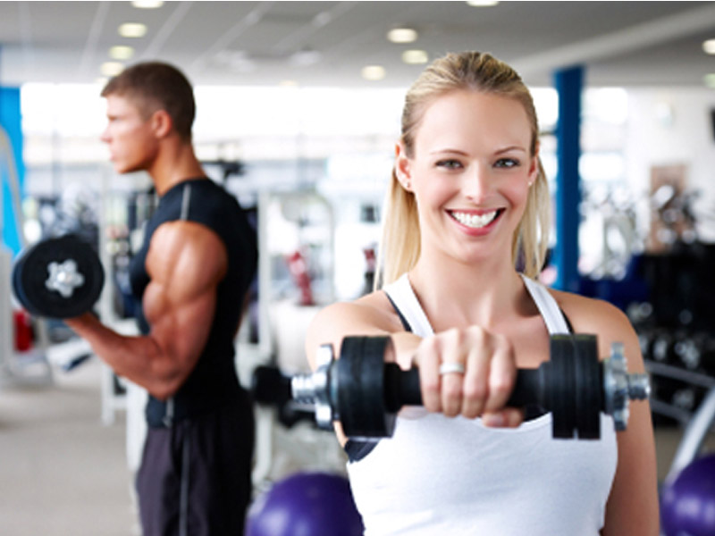 1150 din. umesto 2300 din. za mesec dana koriscaronćenja teretane za muscaronkarce i žene svaki dan u periodu od 8-16h vikendom u toku celog radnog vremena (subota 8-20h, nedelja 12-20h) u Fitnesampspa centru FIT-LIFE, Trg Komenskog 6,(iz Danila Kiscarona desno, pa ponovo desno) Novi Sad!  Fit-Life je fitness i wellness centar u Novom Sadu koji pruža puno zadovoljstvo, relaksaciju i zdrav odnos prema svom telu i umu. Smescaronten je u scaronirem centru Novog Sada, na mirnom mestu i uscaronuscaronkanom Trgu Komenskog 6.   U prijatnomklimatizovanom ambijentusmescaronteni su odeljak za fitness i rekreaciju, koji čine teretana i sala za grupne treninge i SPA deo sasaunom, đakuzijem i prostorijama za masažu.  Porednajsavremenije opremeza teretane i fitnes, nascaron centar raspolaže iprelepim svlačionicama,tuscaron-kabinamaikafeom u kome možete dodatno da se opustite posle treninga.  Uz pomoć stručnih saveta nascaronih trenera saznaćete kako da se na zdrav način rescaronite masnih naslaga, kako da povećate miscaronićnu masu, poboljscaronate aerobne sposobnosti, kako zdravo da se hranite, koliko protein,a ugljenih hidrata i masti da unosite, koji program vežbi vam najviscarone odgovara ili uz pomoć kojih vežbi možete biti super fit! Grupni programi su pažljivo osmiscaronljeni i realizovani- Pilates, Fit Bike, Zum Bum, Power Fitness, Fit Circuit.   Toplo Vam preporučujemo da se posle napornih treninga opustite uz neku od masaža koje imamo u ponudi- masaža sa eteričnim uljima-aromaterapija, anticelulit, antistres, sportska, scaronvedska, indian sculp, lomi-lomi, klasična relaksaciona masaža ili kraljevska,po Vascaronoj želji. Ostavite sve iza sebe i prepustite se bar na trenutak uživanju i relaksaciji u nascaronem đakuziju.  Fit-Life tim je tu za vascarone zadovoljstvo, dobar izgled, dobro zdravlje i dobro raspoloženje! ____________________________________  U saradnji sa Poscarontama Srbije uveli smo joscaron jedan način plaćanja(PostFin gde možete uplatiti VAUČERE svakim ra