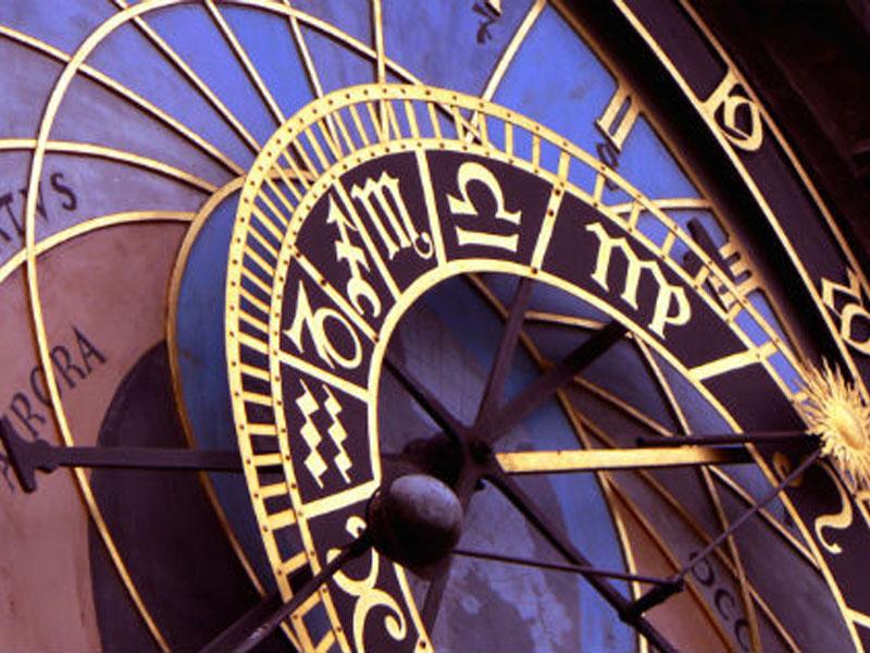 150 din umesto 1.350 din. za detaljnu izradu i tumačenje Vascaroneg Horoskopa za 2018. godinu --DAS-Druscarontvo Astrologa Srbije--  Bilo da su poslovni ili ljubavni planovi u pitanju, uvek nas nekako obuzme trema pred velikim željama i životnim prekretnicama. I tada, kad smo se najviscarone potrudili i uložili sebe u ostvarenje svojih ciljeva, potrebno nam je da znamo kako zvezde gledaju na nascarone planove. Evo prilike da ih konsultujete uz pomoć iskusnog astrologa. Horoskop za 2018. godinu  Po dobijanju kupona dostaviti na mail adresu das.radmilo@gmail.com : vaučer, ime, prezime, datum, vreme i mesto rođenja. U roku do isteka roka iskoristivosti kupona dobijate izrađenu i protumačenu natalnu kartu u elektronskom formatu na 4-7 kucanih strana.  Mail za dostavu kupona i podataka je das.radmilo@gmail.com __________ Astrolog i numerolog Radmilo Savović rođen je u Baru, oktobra 1971. godine (Vaga podznak Lav), iako diplomirani geograf, astrologijom se uspescaronno bavi od 1992. godine. Jedan je od osnivača prve scaronkole astrologije i numerologije u Podgorici koja je uspescaronno radila od 2003. do 2009.godine. Tada se sa porodicom seli u Beograd gde i danas živi i uspescaronno radi. Svoje iskustvo dugo viscarone od dve decenije obogaćuje stalnim posećivanjem seminara u zemlji i inostranstvu. 2011. godine u Ljubljani zavrscaronava internacionalno priznat kurs nutricinizma, te znanja iz te oblasti spaja sa astrologijom i priprema knjigu ldquoAstro nuticionizam  --DAS-Druscarontvo Astrologa Srbije-- Tel.gt 061/1613699 063/1705737 065/5473377 http://astrosrbija.com rdquo